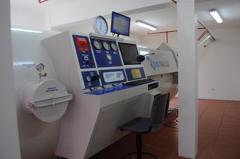 Inauguración cámara hiperbárica en Argentina.